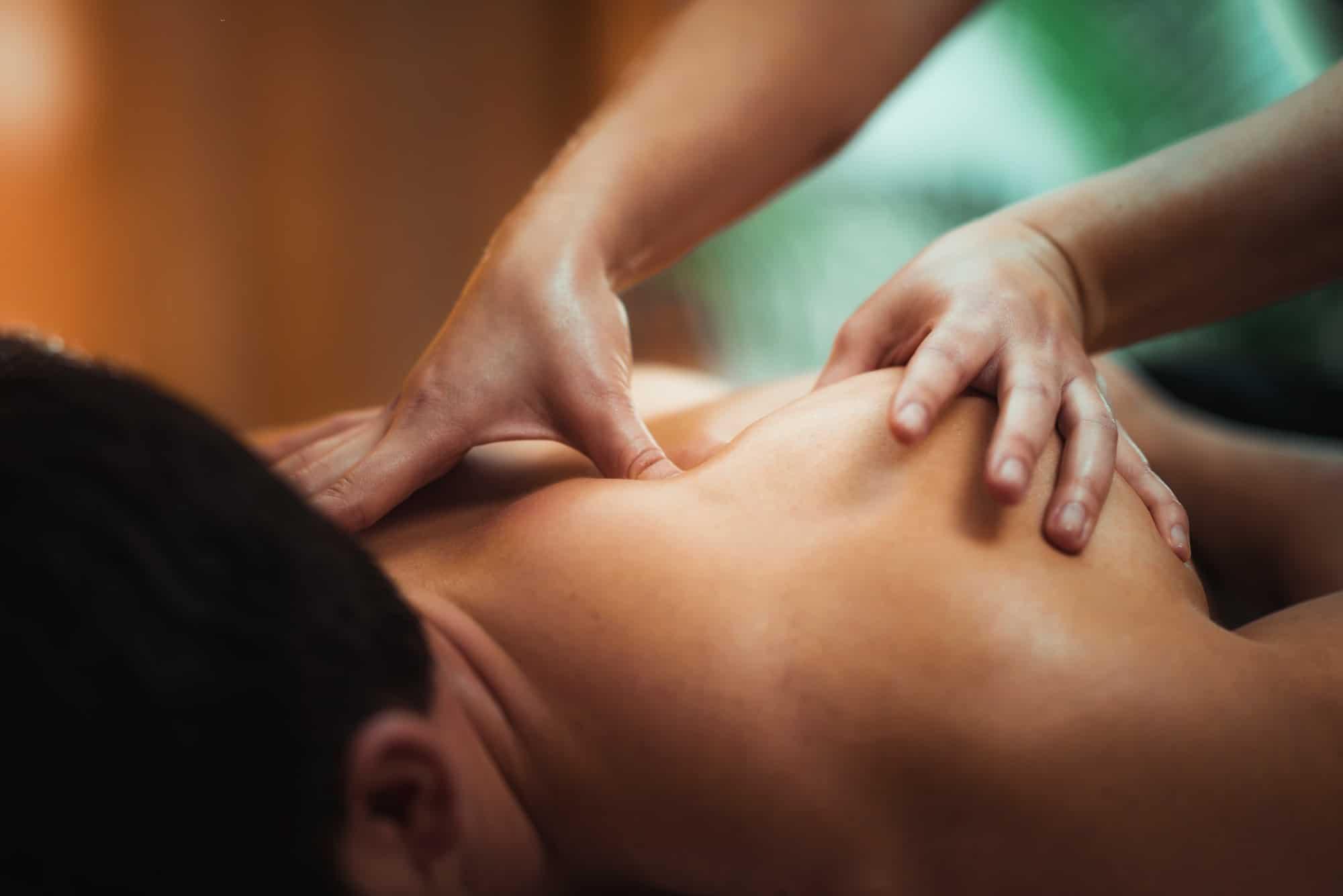 Massage Therapie für deinen Rücken